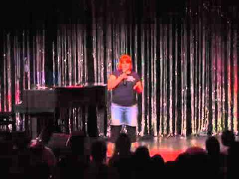 Sandra Petrat in der Talentschmiede des Quatsch Comedy Club M?rz 2011